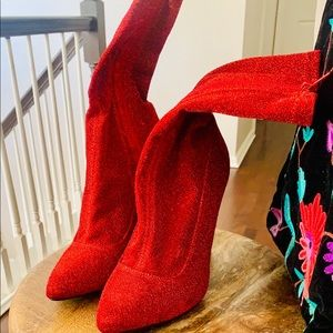 🌷Mrs Clause,I've got ur boots! And they are HOT!